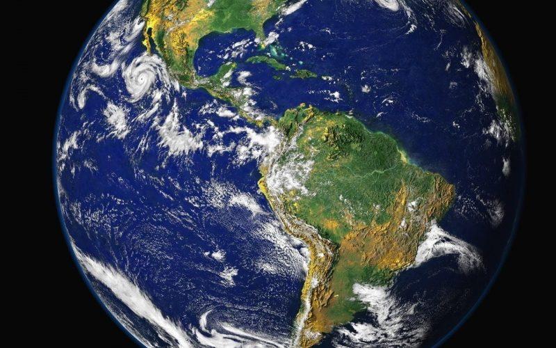 Ile waży ziemia?