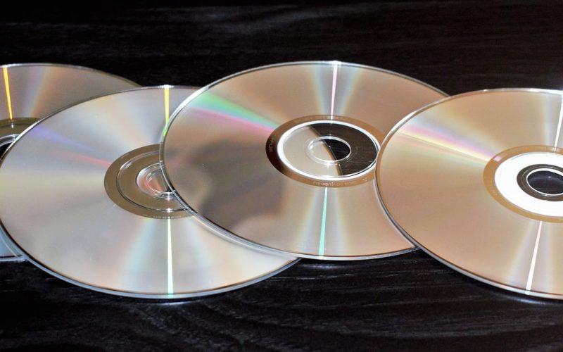 Jaką średnicę ma płyta CD i DVD?