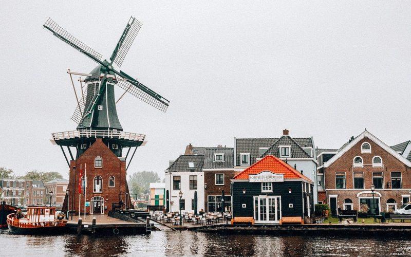 Holandia czy Niderlandy?
