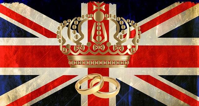 Ile diamentów jest w brytyjskiej koronie państwowej?
