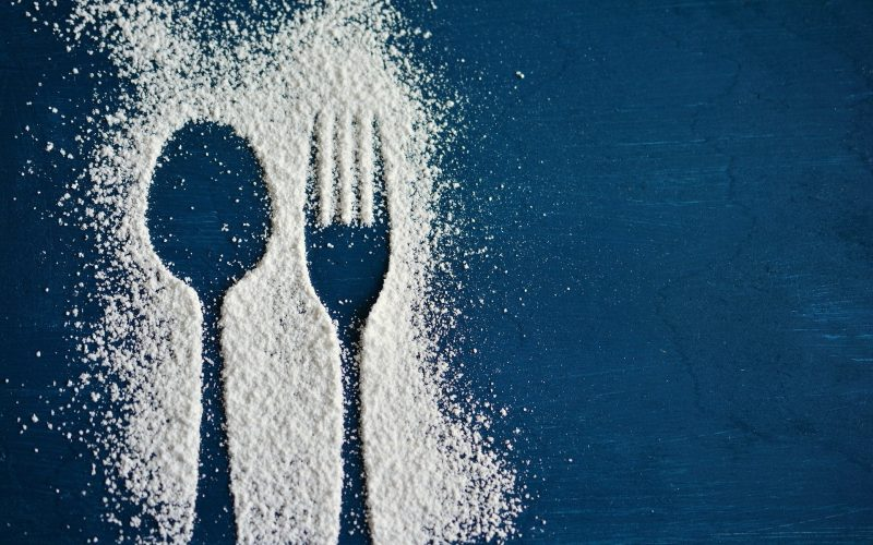 Ile waży łyżeczka i łyżka cukru?