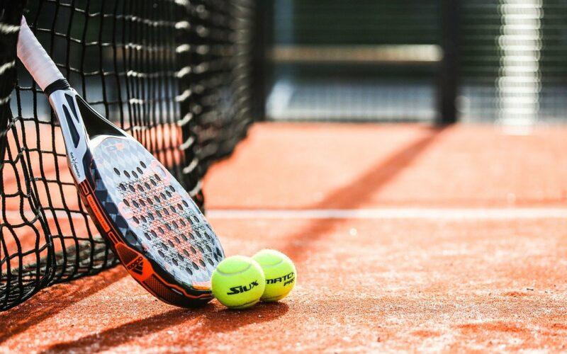Ile gemów ma set w tenisie ziemnych? Do ilu setów gra się mecz?